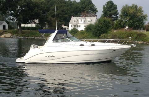 2000 Rinker 330 Fiesta Vee Cruiser for sale
