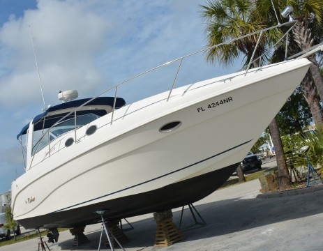 1999 Rinker 330 Fiesta VEE Yacht for sale