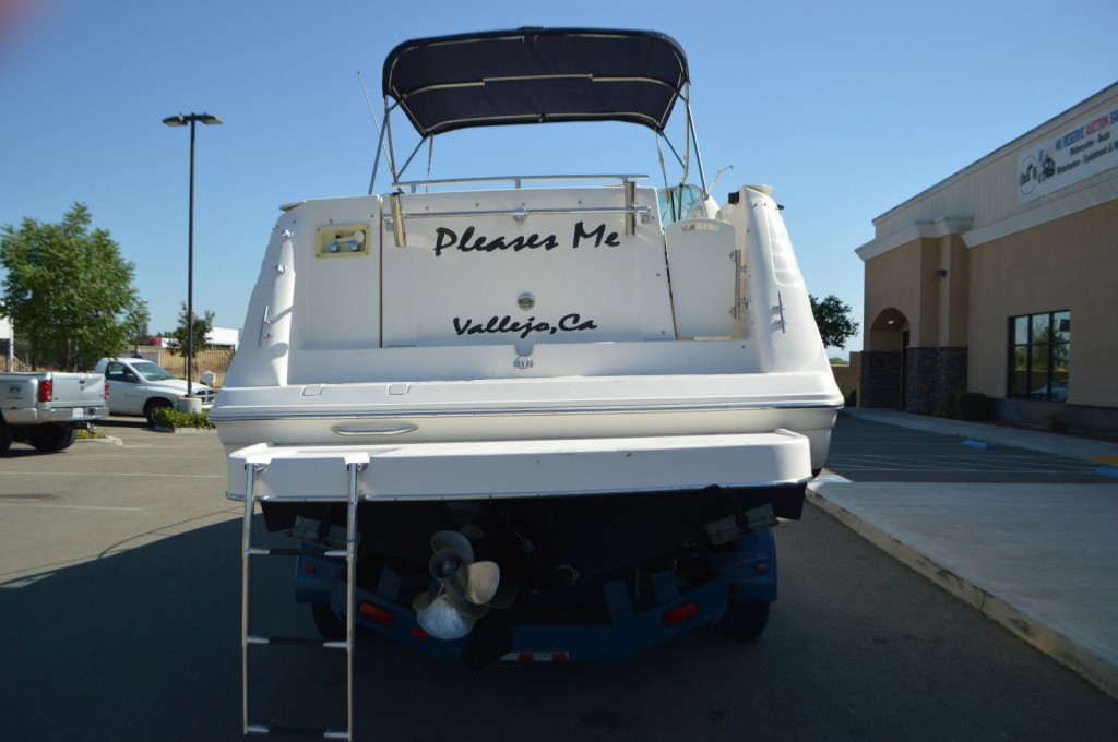 2001 Rinker Fiesta Vee 270 Cuddy Cabin Cruiser Boat