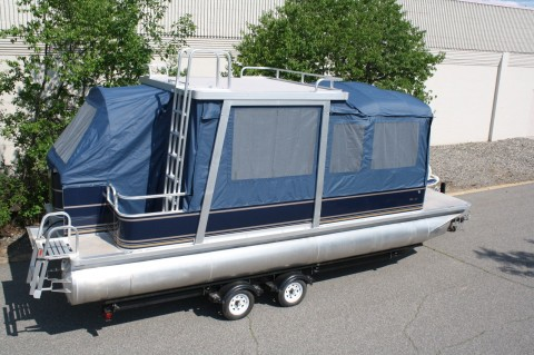 2012 Tahoe Grand Island 24 Pontoon boat with swim roof and full camper for sale