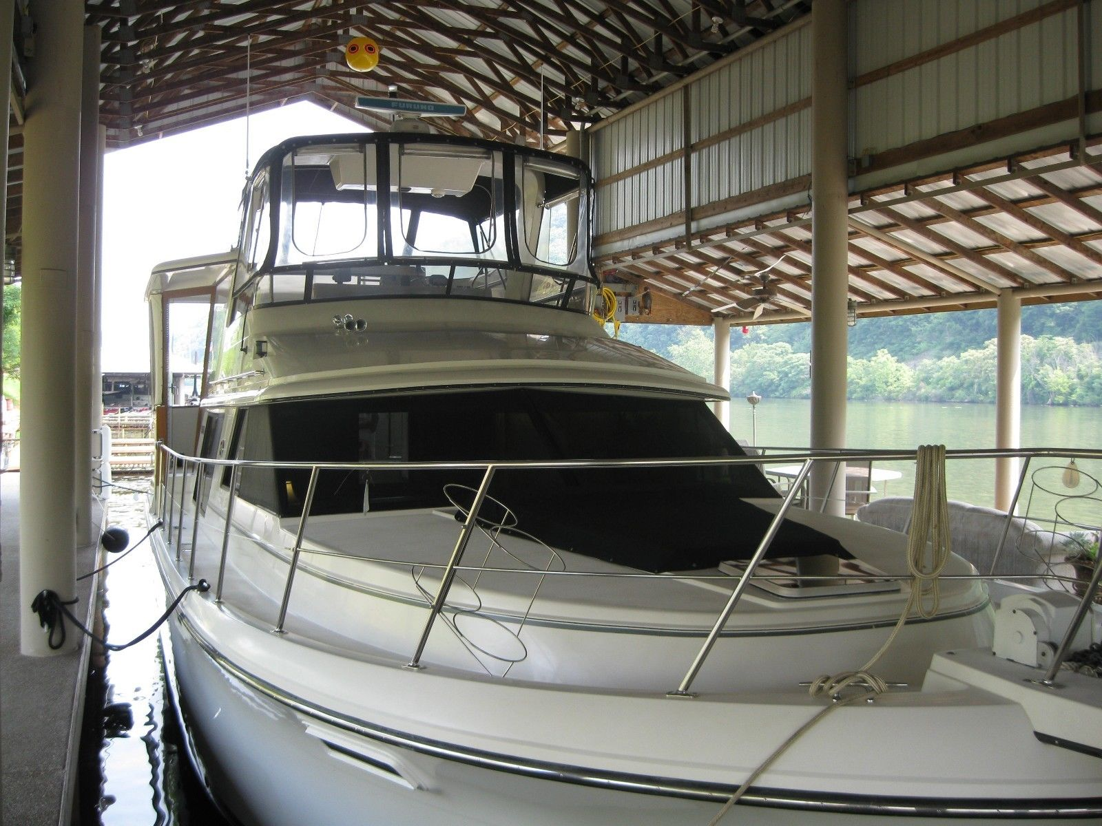 1986 Carver Boats 4207 Motoryacht For Sale