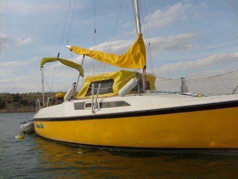1989 MacGregor 26d Sailboat for sale