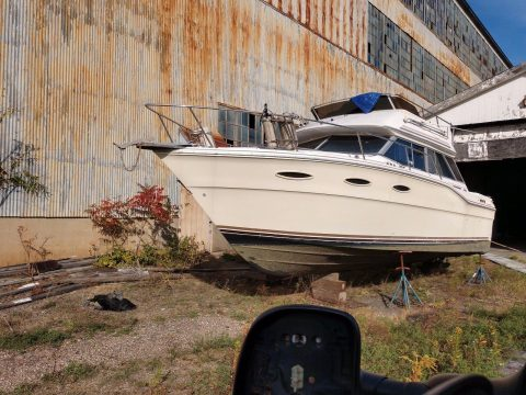 1986 Sea Ray 300 in great condition for sale
