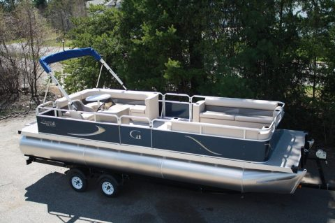NICE 2018 Grand Island 24 rear Entry cruise for sale