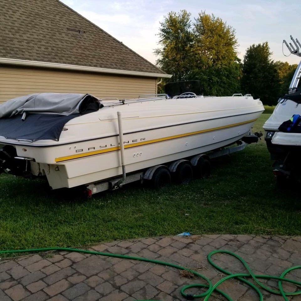 1999 Bayliner Rendevous 27 Foot Deckboat
