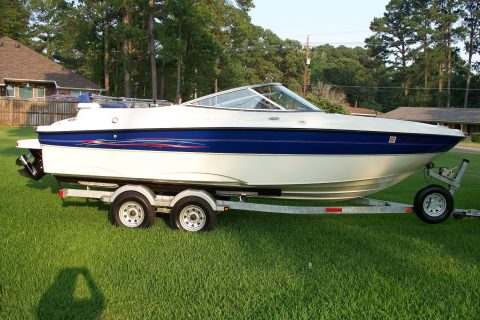 2006 Bayliner 219 SD, 81 Hours on engine for sale